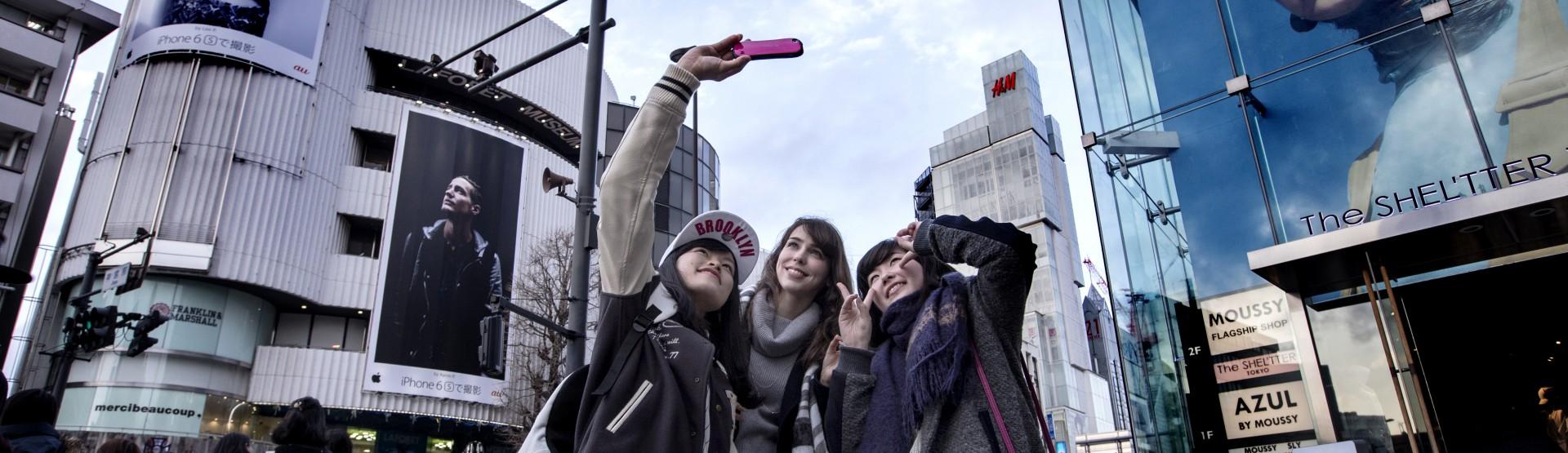 Tokyo Stefanie Joosten and fans
